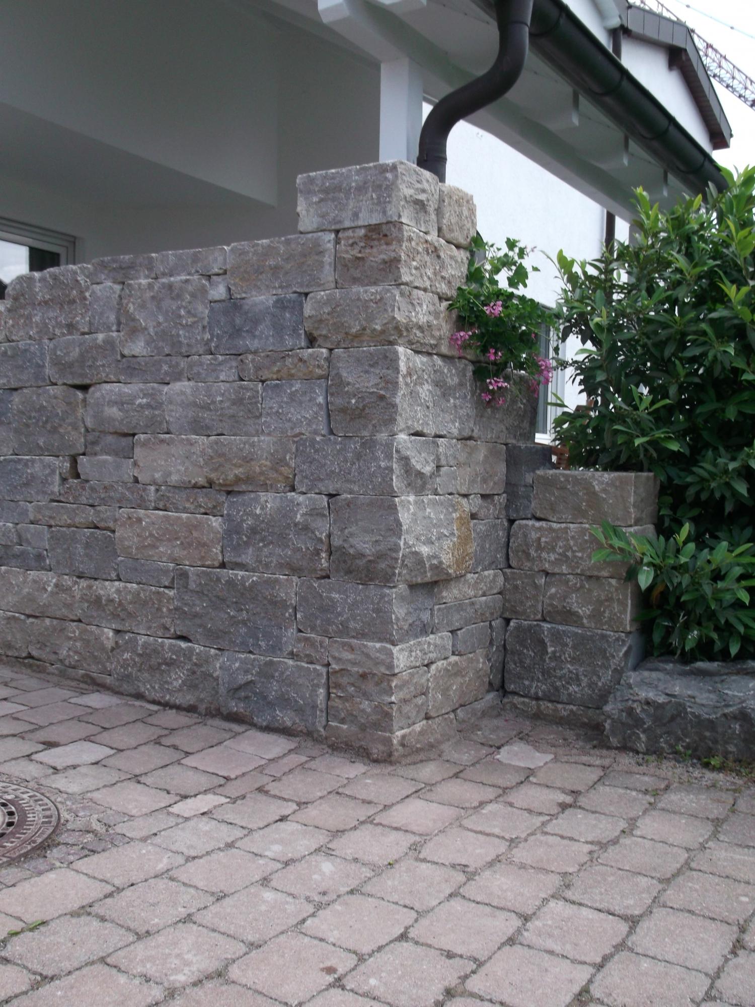Mauern Sichtschutz Zaune Garten Und Landschaftsbau Karle